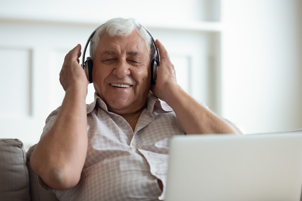 the-benefits-of-music-for-the-elderly